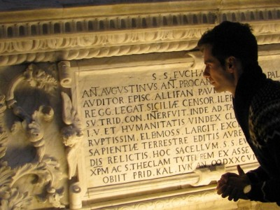 Sepulcre d'Antoni Agustí, arquebisbe de Tarragona, a més d'humanista, erudit i estudiós de l'antiguitat.
