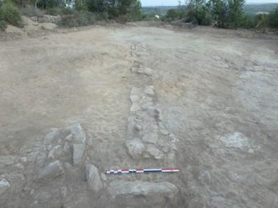 Detall del llenç est de la muralla de la fortificació..