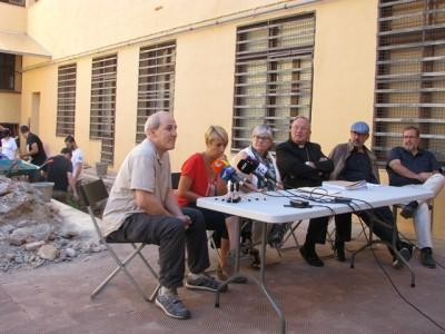Roda de premsa a peu d'excavació. D'esquerra a dreta, Josep M. Macias (ICAC), Imma Teixell (ICAC), Maite Miró (cap del Servei d'Arqueologia i Paleontologia del Departament de Cultura), Mons. Jaume Pujol (arquebisbe de Tarragona), Joan Gómez Pallarès (director de l'ICAC) i Andreu Muñoz (MBT/ICAC).