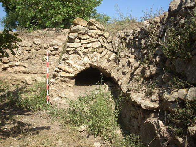 Tram de l'aqüeducte del Pont d'Armentera conservat a la Secuita.