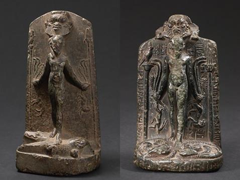 Esteles d'Horus sobre cocodrils