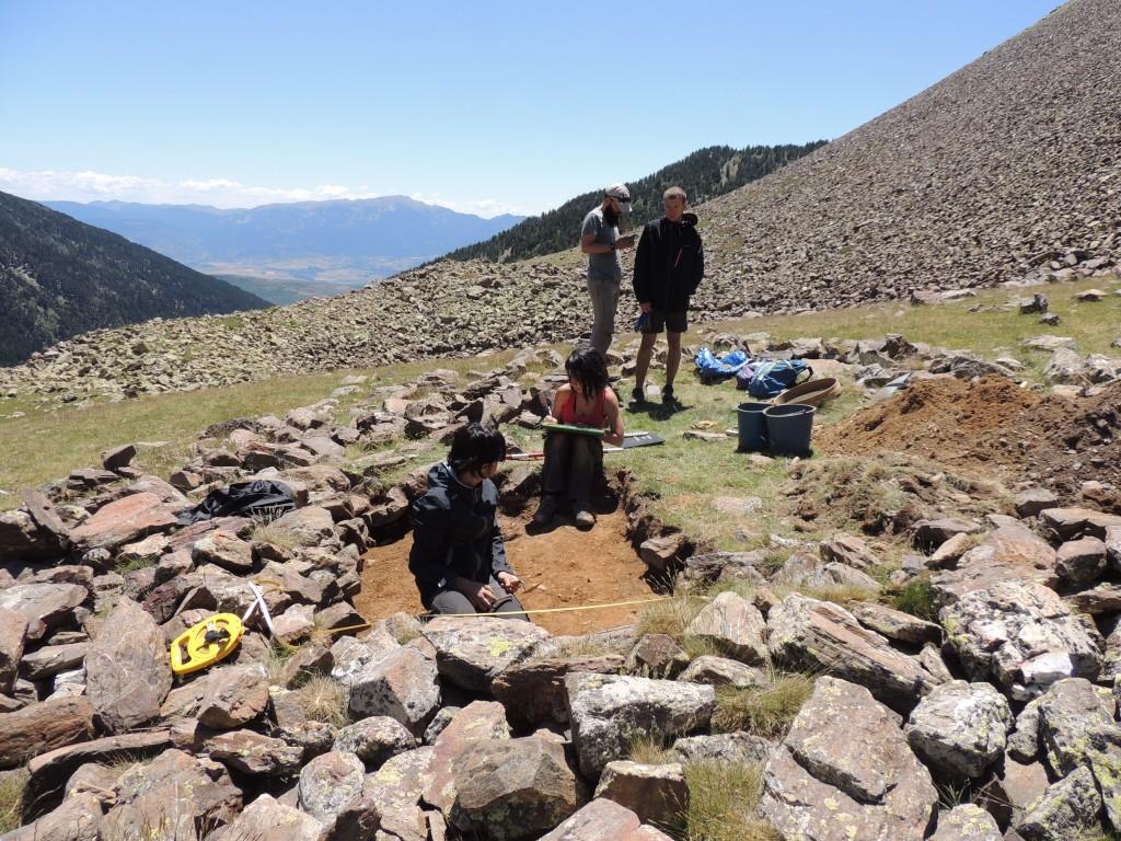 Treballs arqueològics a l'estructura 023 al jaciment de Duran I (Meranges), juliol de 2019. Foto: ICAC