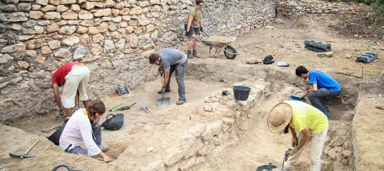 IV Curs arqueologia RibaRoja_foto excavacions (2017)