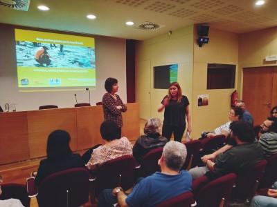 M. Carme Belarte i Ares Vidal al IV Seminari en Epigrafia i Arqueometria de l'ICAC de Institut Català d'Arqueologia Clàssica està subjecta a una llicència de Reconeixement-NoComercial-CompartirIgual 4.0 Internacional de Creative Commons