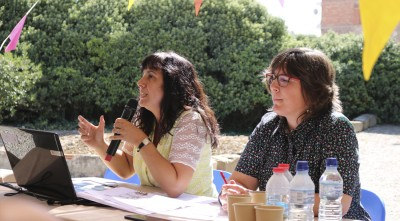 Esther Rodrigo (esq.) i Núria Romaní en la inauguració de l'exposició al Museu de Guissona (@ Museu de Guissona)