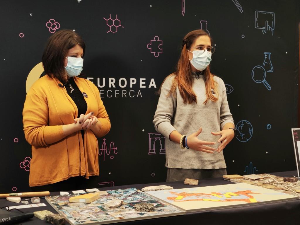 Les investigadores de l'ICAC Simona Perna i Laura Galán, en la gravació del seu taller sobre marbres i arqueometria. Foto: ICAC