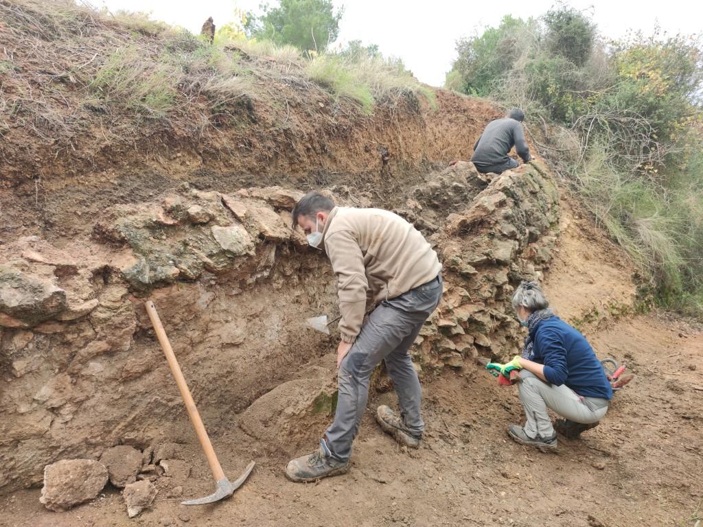 Treballs d'excavació al segon tram de l'aqüedeucte, al terme de Vallmoll (Alt Camp). Foto © ICAC
