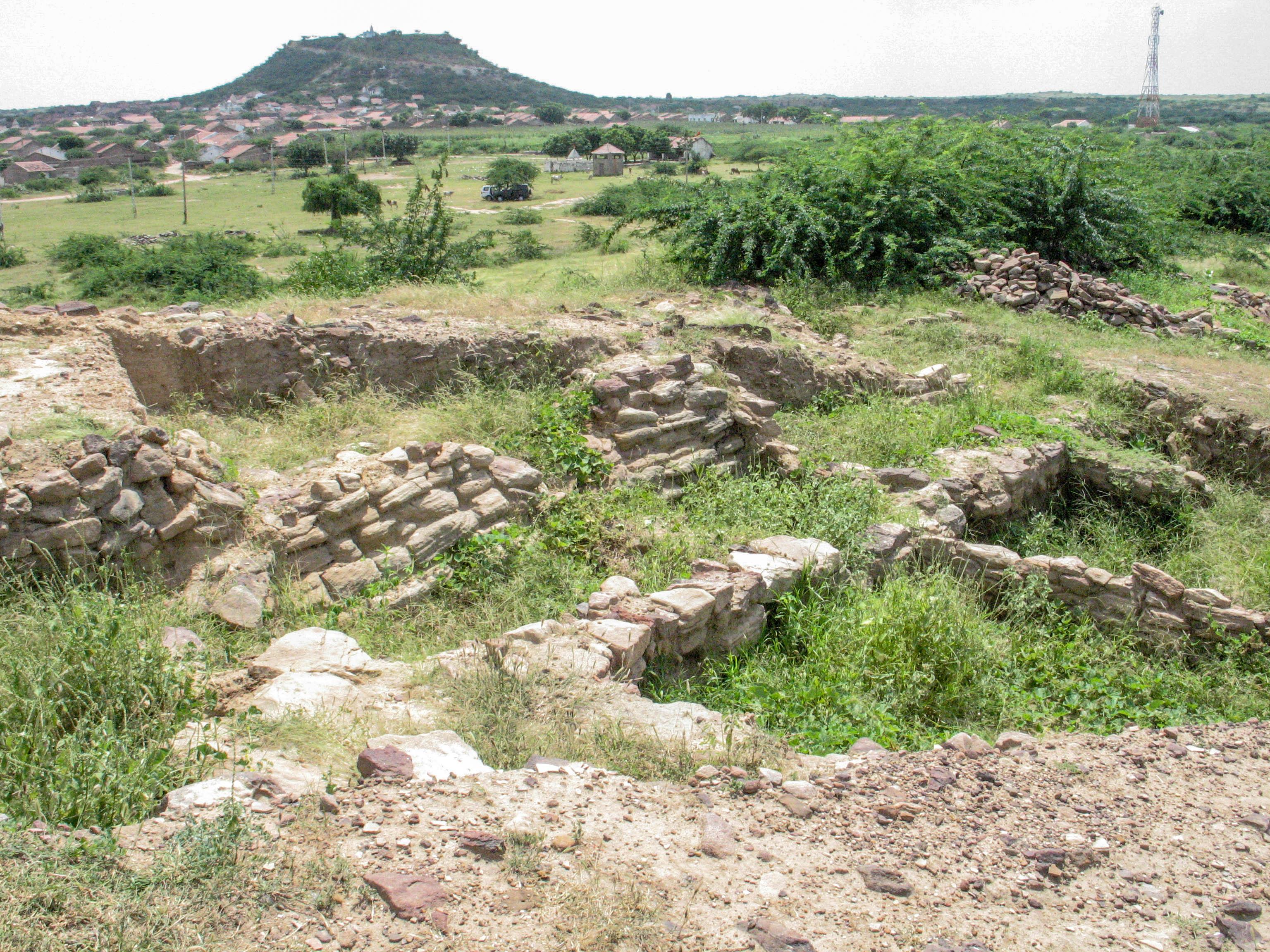 El lloc arqueològic de Kanmer, un assentament de la civilització de l'Indus a Gujarat (Índia), és un exemple del tipus de jaciments arqueològics que es poden controlar remotament per avaluar la seva preservació mitjançant la metodologia del projecte MAHSA.